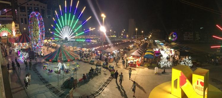 neon night market (1)