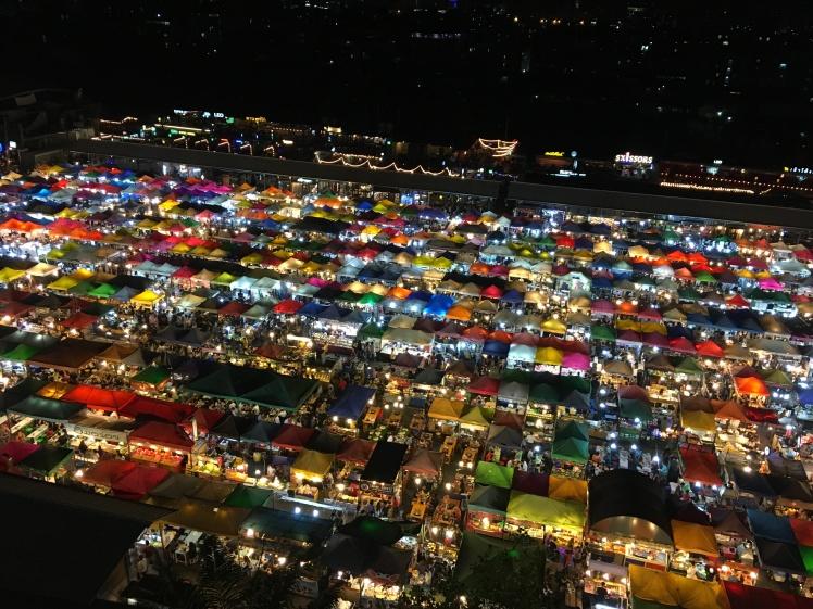 rot fai rachada night market (1)