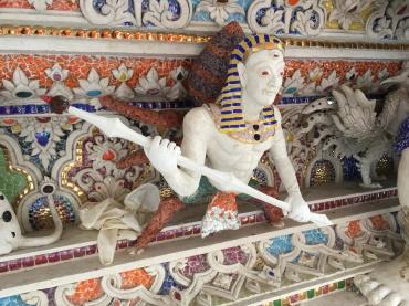 wat pariwat - david beckham temple (15)