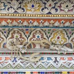 wat pariwat - david beckham temple (9)