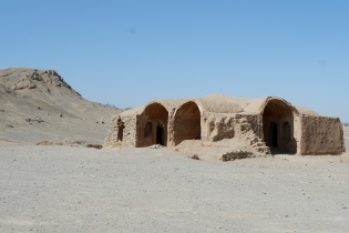yazd - towers of silence (17)