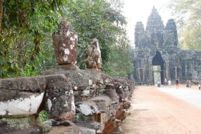 porte east - angkor wat - siem reap (1)