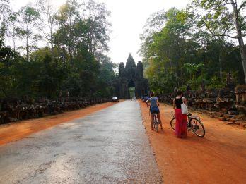porte east - angkor wat - siem reap (2)
