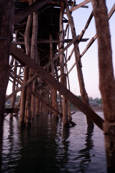song khlaburi - mon bridge (1)