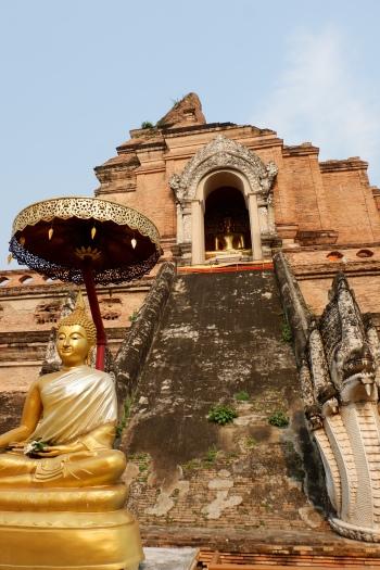thailande - chiang mai - wat chedi luang - temple du grand stuppa - lectourebangkok (4)